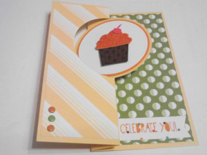 Bright Flip Cupcake Closed
